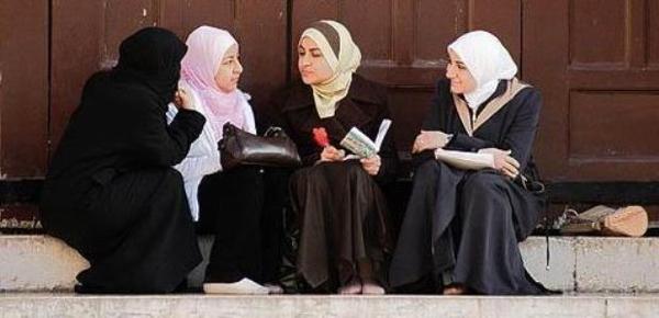 Misrepresentasi Muslimah dalam Wacana Feminis